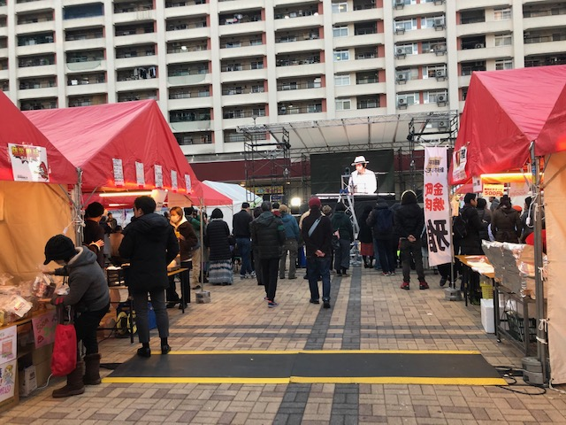 金町駅前団地ひろば「ふるさと・クリスマスマーケット」